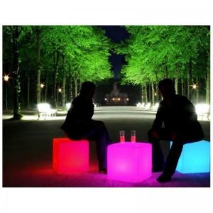 Cube LED lumineux RGBW en résine 40cm 5W IP65 sans fil