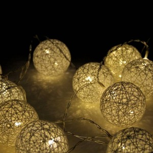 Guirlande LED lumineuse boules de coton (Blanc chaud)