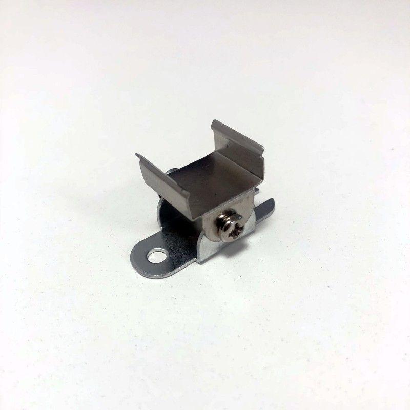 Agrafe orientable pour profil aluminium 17X8-15