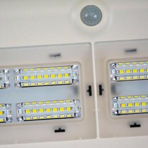 Projecteur solaire LED avec capteur de présence PIR