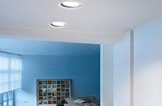 downlights de led profesionales instalados en sala de casa