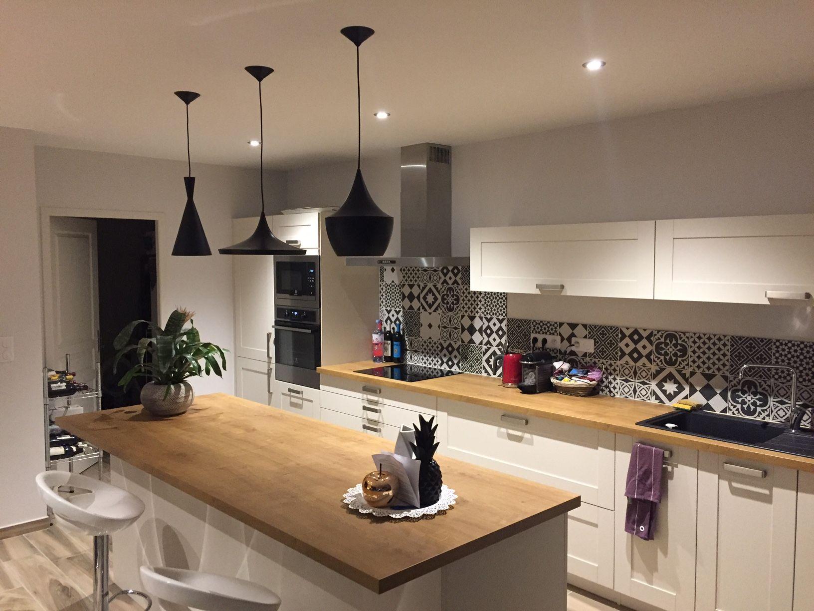 Suspension noire décoration aluminium cuisine