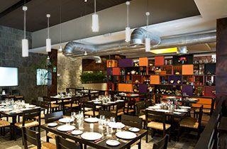 restaurante con iluminación decorativa de led