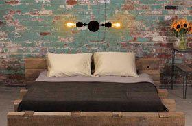 lampara de estilo vintage industrial iluminando habitación
