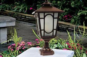 lanterne sur pieds jardin