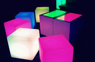 cube LED lumineux couleurs